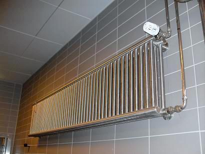 VA-Therm Hygieneheizkörper in einer Fleischerei montiert